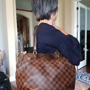 Authentic Louis Vuitton Damier Ebene Westminster P